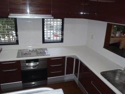 とにかく収納を重視したキッチンです。